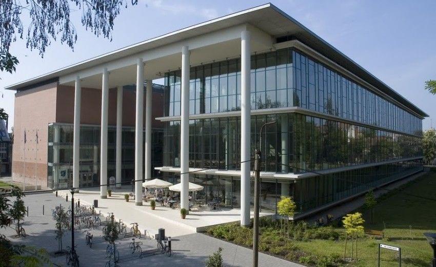 ΟΔΟΝΤΙΑΤΡΙΚΗ ΣΤΗ ΒΟΥΔΑΠΕΣΤΗ | Semmelweis University